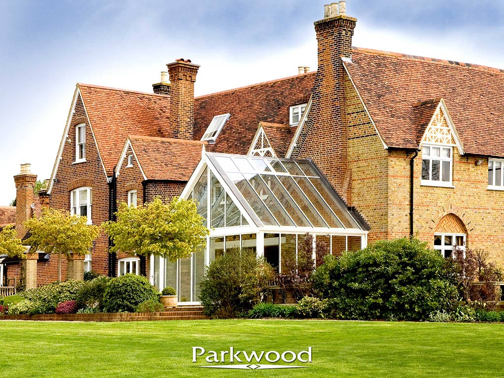 Contemporary painted conservatory by Parkwood