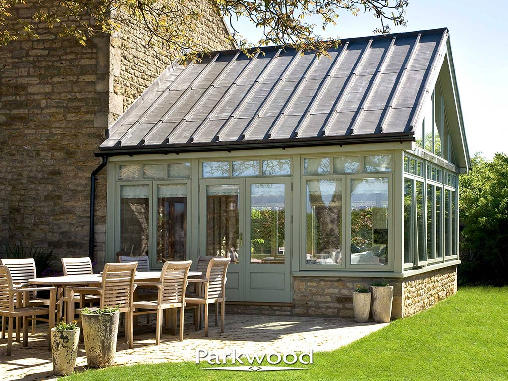 Painted garden rooms by parkwood parkwood joinery ltd for Garden rooms uk ltd