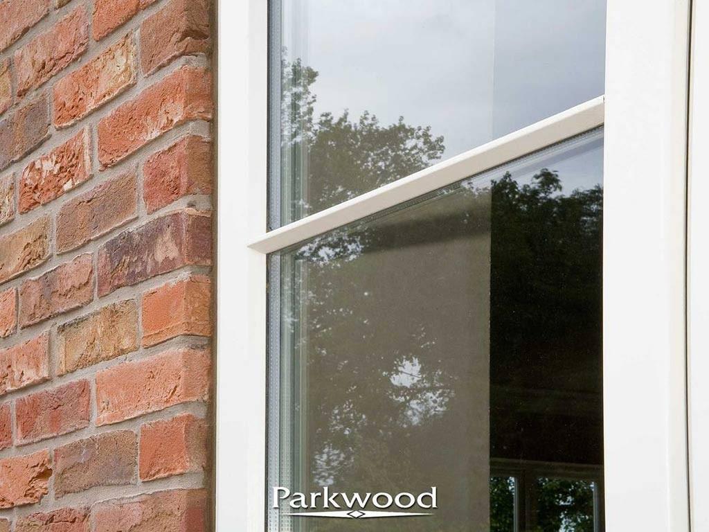 'Bolded bar' glazing option
