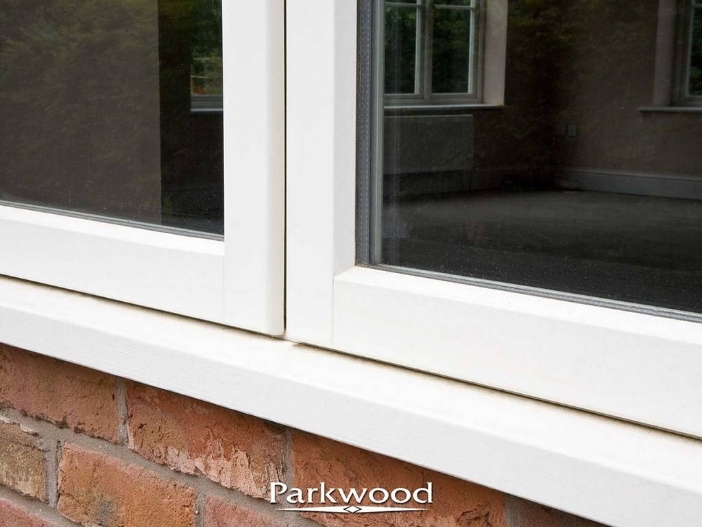 Traditional 'Putty line' aesthetics with modern double glazed unit