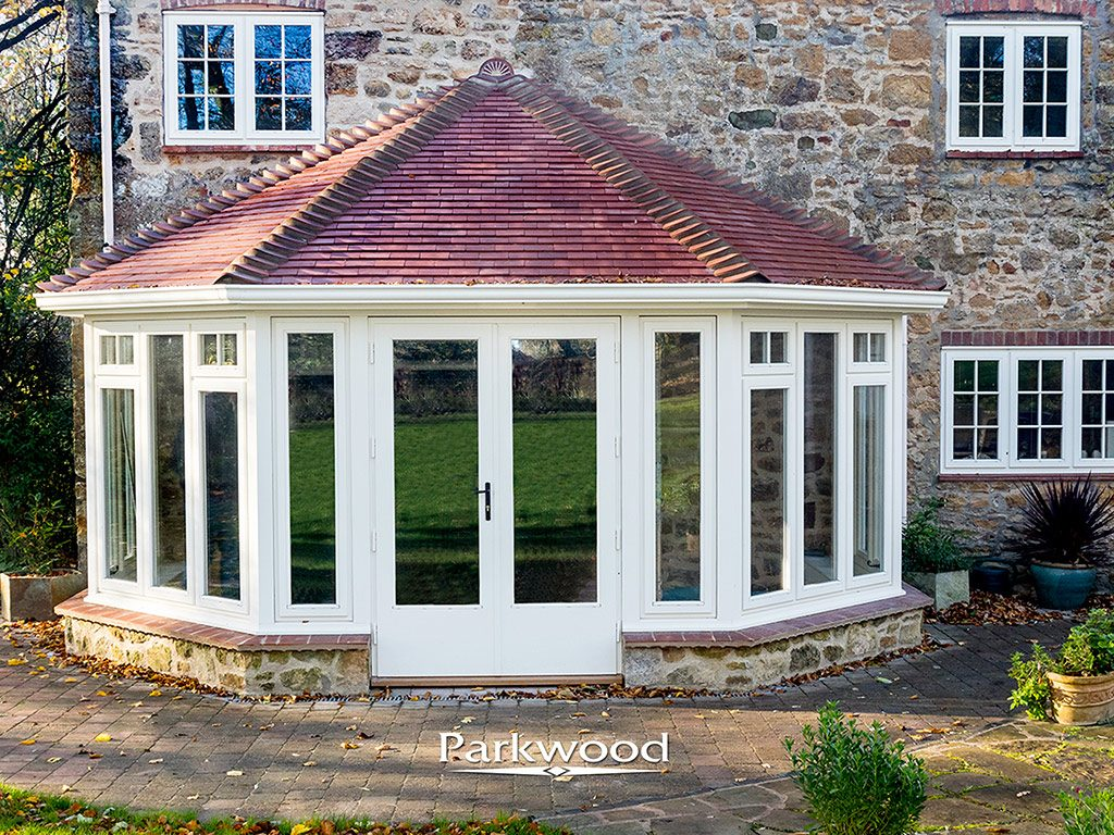 Oak and painted timber garden rooms parkwood joinery ltd for Garden rooms uk ltd